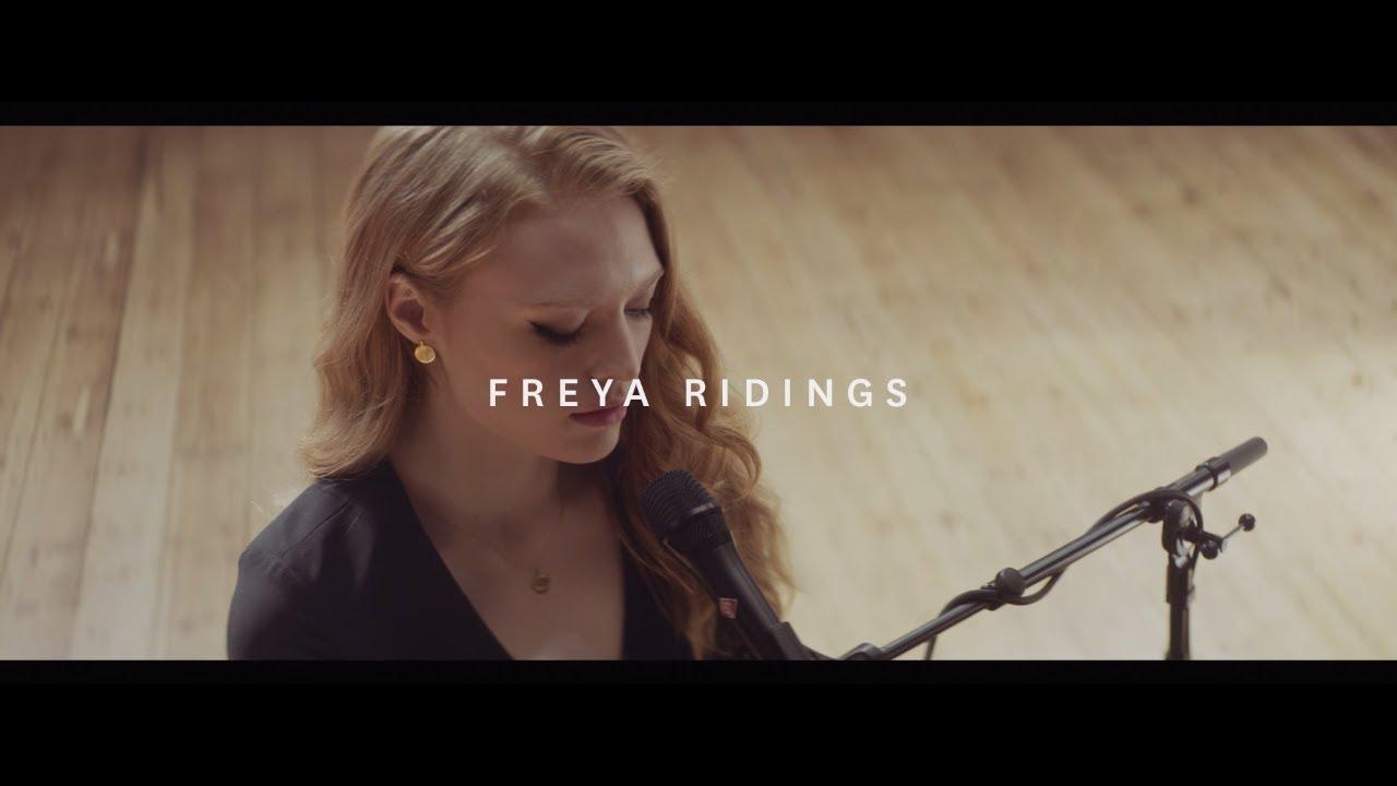 Freya Ridings Blackout Live At Hackney Round Chapel