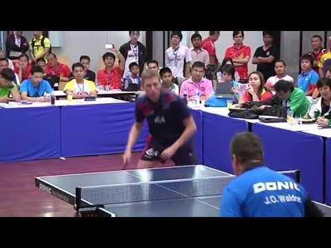 โชว์การเล่นเทเบิลเทนนิสโดยแชมป์โลกและแชมป์โอลิมปิค