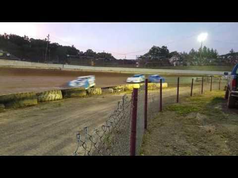 Hesston Speedway late model