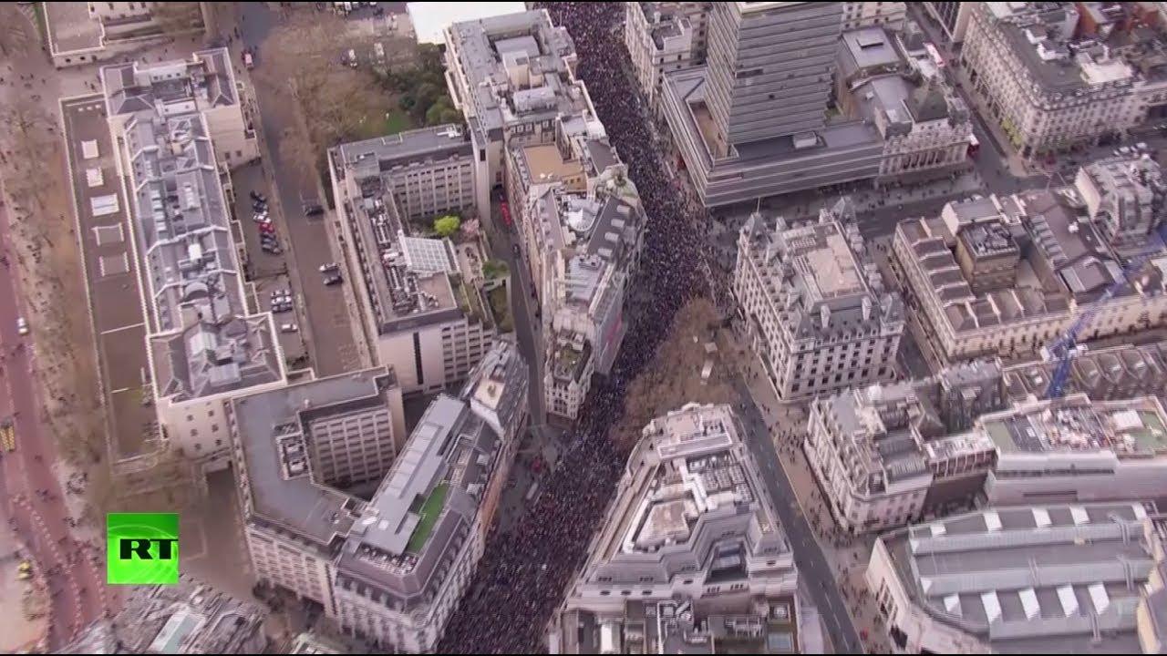 Сотни тысяч людей в Лондоне вышли за повторный референдум по Брекситу