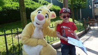 Meeting Rabbit (Coco Lapin) at Disneyland Paris