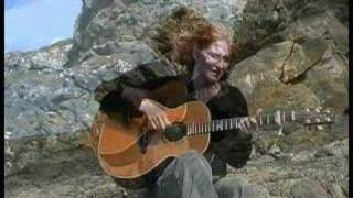 """EDDI READER - """"My Love is Like a Red Red Rose"""""""