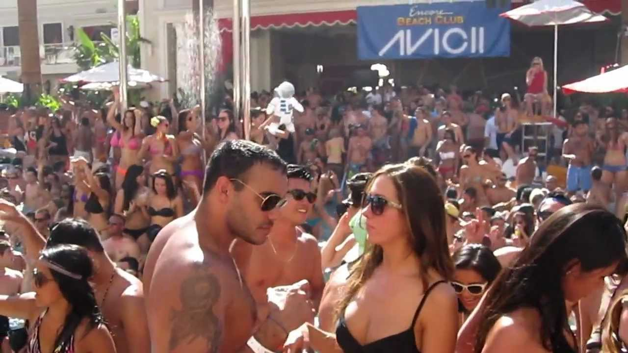 Download Avicii @ Encore Beach Club, Las Vegas - July 8, 2012 - Video 1