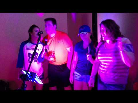 Fan fun with Tom Bender's Flying Solo Show! (Call Me Maybe Karaoke)