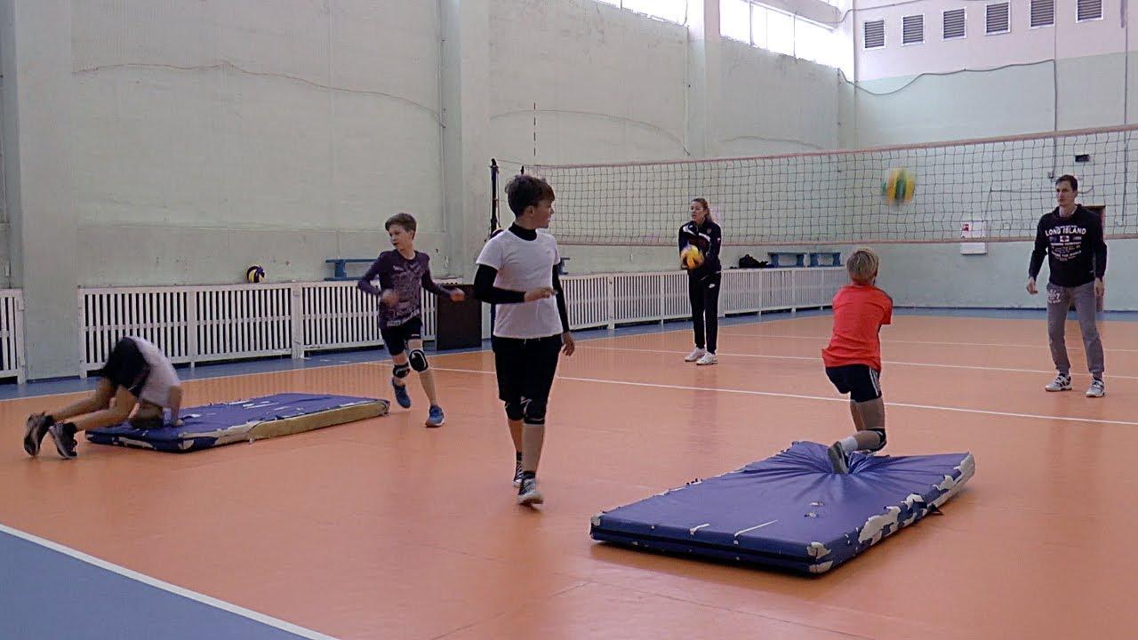 Детский волейбол. Обучение. Упражнение на отработку верхней и нижней передачи