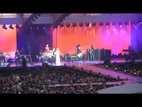 The Rolling Stones - Wild Horses (With Florence Welch) Live @ London Stadium