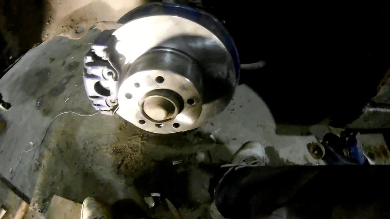 Замена передних тормозных дисков БМВ Е34