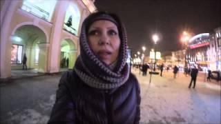 #755 Россия Санкт Петербург Вечерний город Гостиный двор Встреча с подружками