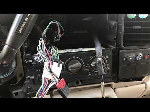 Stereo install 02 Yukon