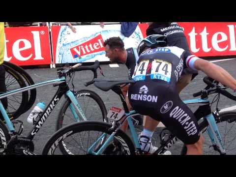 Le Tour De France Mark cavendish  Full Crash harrogate