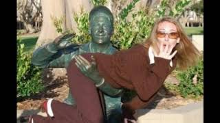 FUNNIEST PICTURES WITH SCULPTURES / 2019