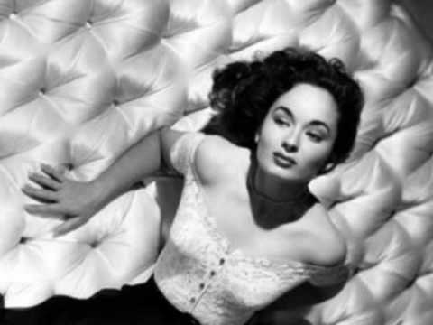 Ann BlythEverybody Wants To Rule The World