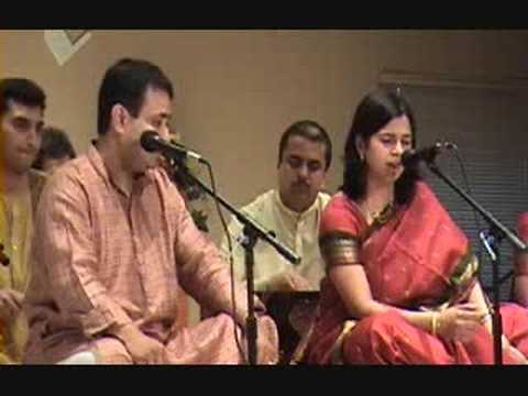 "Abhay Mannur performing ""Je Ved Majala Lagale"""