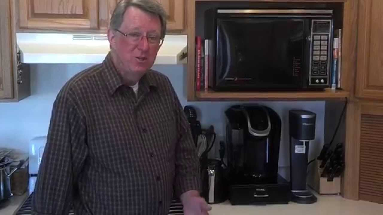 Cooking A Hot Pocket In A Microwave Oven From 1985 Youtube