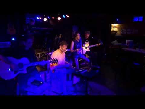 On N'a Pas Eu Le Temps ( de se manquer ) - MAANY'S / Version Live Acoustique.