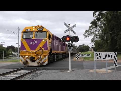 Level Crossing, Swan Hill (Mitchell St) VIC, Australia.
