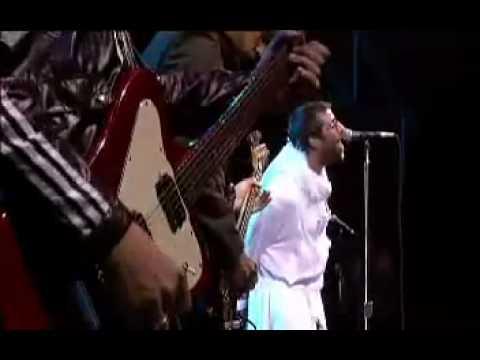 Oasis - Live Forever (Glastonbury 2004)