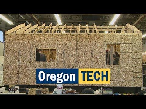 Students Build a Tiny Solar Powered House | Oregon Tech Engineering