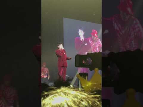 """G-Dragon """"Who You"""" live"""