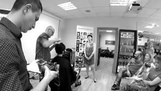 Демонстрация стрижки на коротких волосах от Стейси Броутона в Школе Simushka