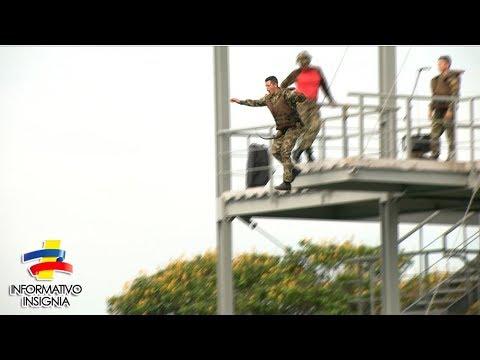 Temerosa prueba de salto de los comandos de las Fuerzas Militares