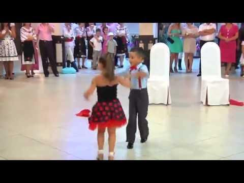 Sakitnya Tuh Disini Versi Dance Two Children