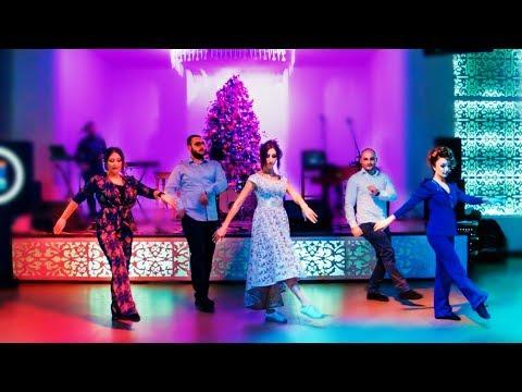პატარძლის ცეკვა ქორწილში მეგობრებთან ერთად - სასწაული სანახაობა (ვიდეო)