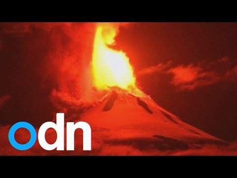 Huge lava fountain as Villarrica volcano erupts in Chile
