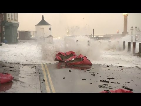 Homes evacuated as east coast braces for floods