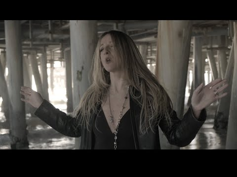 """Ivy Gold - """"Retribution"""" - Official Music Video, female fronted bluesrock"""