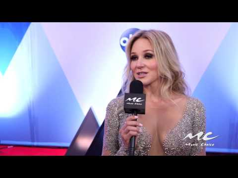 MC at CMA Awards: Jewel Talks New Music