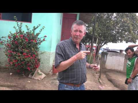 "They call it  a ""Yacht"".... Ucayali River Amazonia NE Peru (23 secondvideo) 2016 Jan 19"