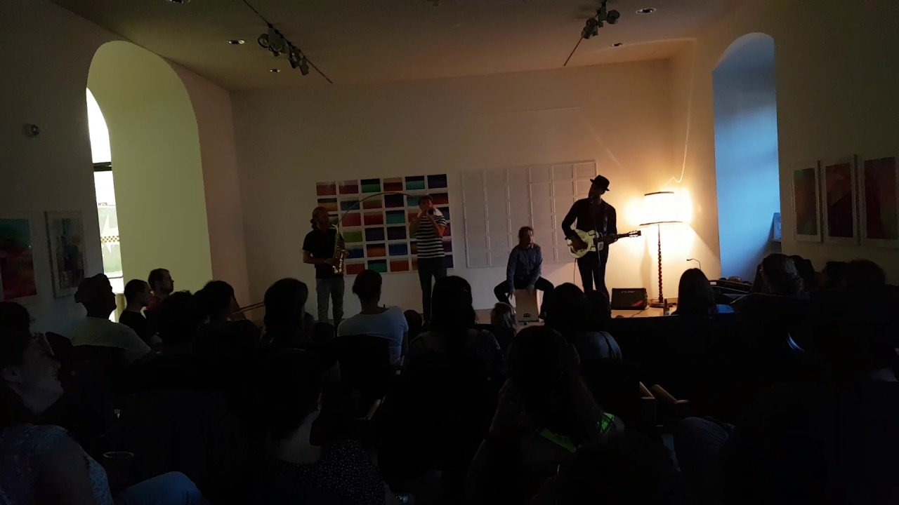 Sofa Concert With MCFdM