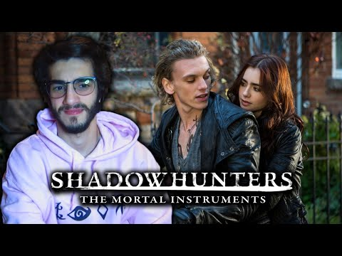 Shadowhunters Fan Watches *THE MORTAL INSTRUMENTS: CITY OF BONES* FOR THE FIRST TIME