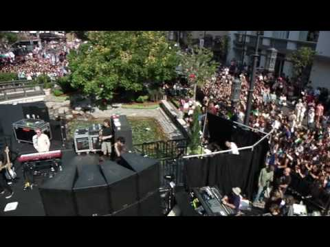 Jonas Brothers - Lovebug Live at The Grove HQ