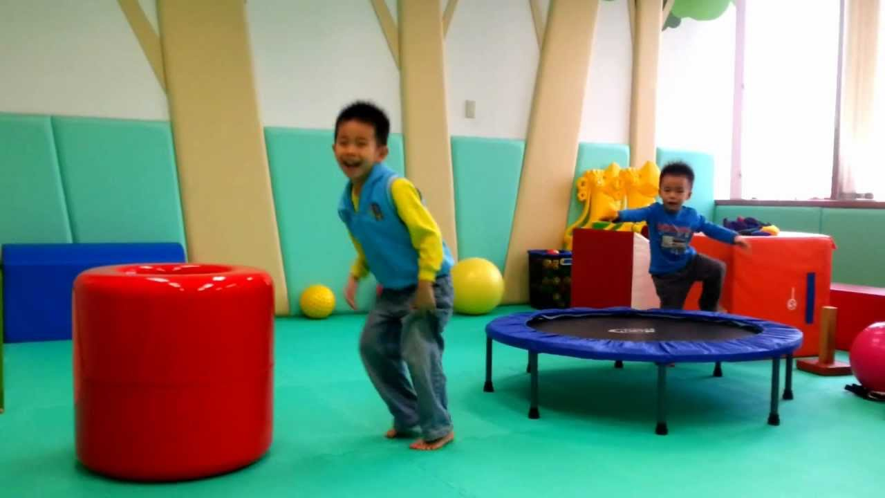 兒童遊戲-跳躍投籃 - YouTube