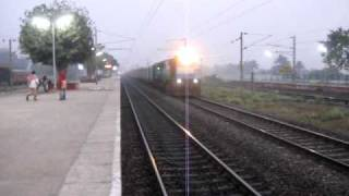 LKO WDM3D Honks With 12346 GHY HWH Saraighat Express