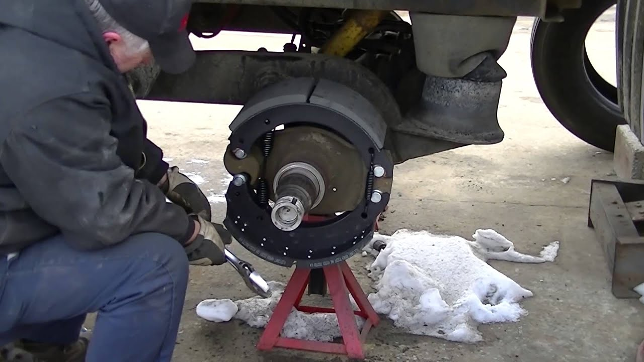 Walking Floor Semi Trailer New Brakes And Hubs Youtube