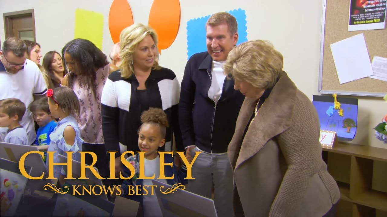 Download Chrisley Knows Best Season 6, Episode 7: Todd Throws Shade At Five-Year Old Artists