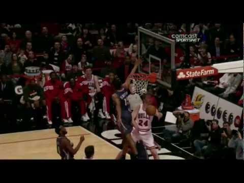 Brian Scalabrine with the steal and the pass to Korver