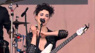 Repeat youtube video (11) St Vincent - Digital Witness @ Outside Lands Fest, Golden Gate Park 8.07.15