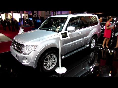 2012 Mitsubishi Pajero 30th Anniversary Edition - Exterior and Interior Walkaround - Paris Auto Show