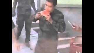 Как едят солдаты  D: