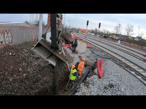 Installing a small drainage pipe and infiltration ditch / (Part:1) / 4K