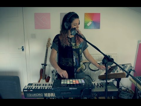 Ableton Live Push 2 Performance - Dancing On My Own (Robyn Cover)