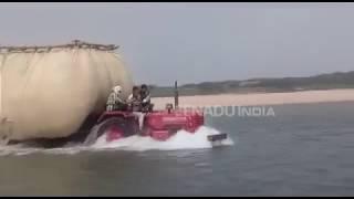 चंबल नदी में ट्रैक्टर चलने से घड़ियालों को खतरा