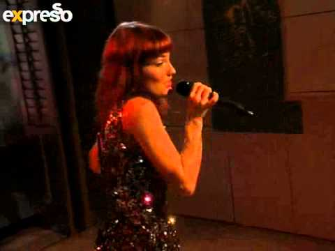 Pixie Bennett performs