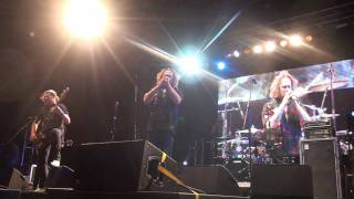 Watch Screaming Jets Otherside video