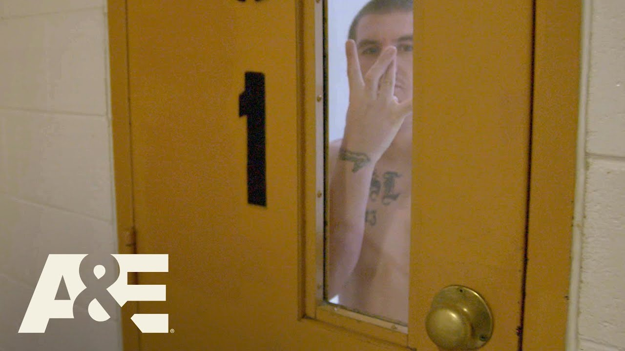 Download Behind Bars: Rookie Year: Gang Member Refuses to Leave Cell (Season 2) | A&E