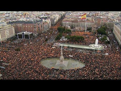شاهد: اليمين المتطرف في مدريد يطالب باستقالة رئيس الوزراء الاشتراكي…  - 15:54-2019 / 2 / 10